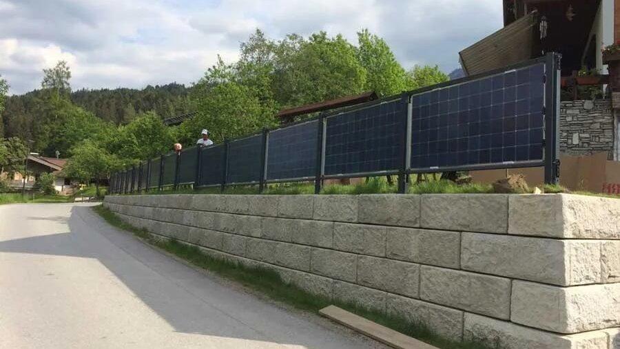 Solarzaun in Scheffau am Wilden Kaiser / Solar fence in Schffau am Wilden Kaiser (Elektrotechnik Leitinger)