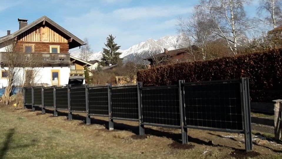 Solarzaun / Solar fence in Maishofen, Österreich (Elektrotechnik Leitinger)