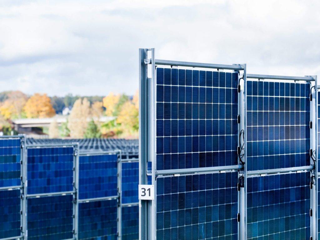 Nahansicht Gestellsystem Solarpark Donaueschhingen